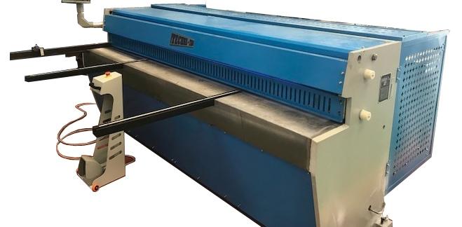 Sheet metal cutting guilotine