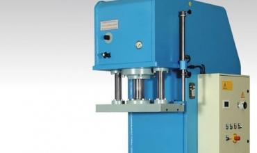 Hydraulic Press / Model PCL