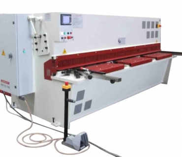 Metal Cutting Guillotine – Hydraulic<br>Swing Beam Cutting Action<br>TECHNA-FAB model QC12Y