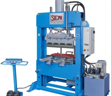 Hydraulic Press / Model PSL